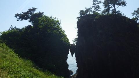 佐渡はさみ岩1