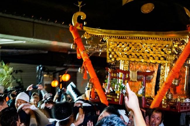 相川まつり神輿
