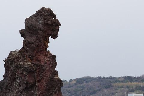 佐渡ゴジラ岩というよりルイ16世