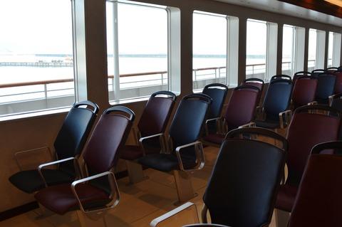 佐渡汽船2等椅子席