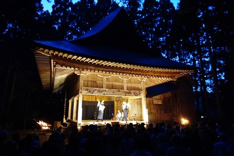 越敷神社共同舞台3