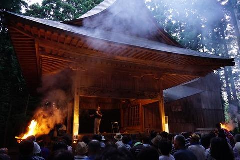 越敷神社共同舞台1