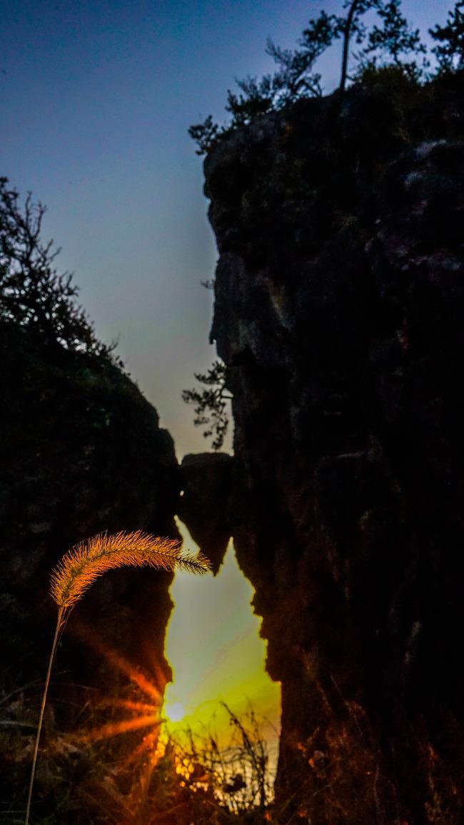 はさみ岩4