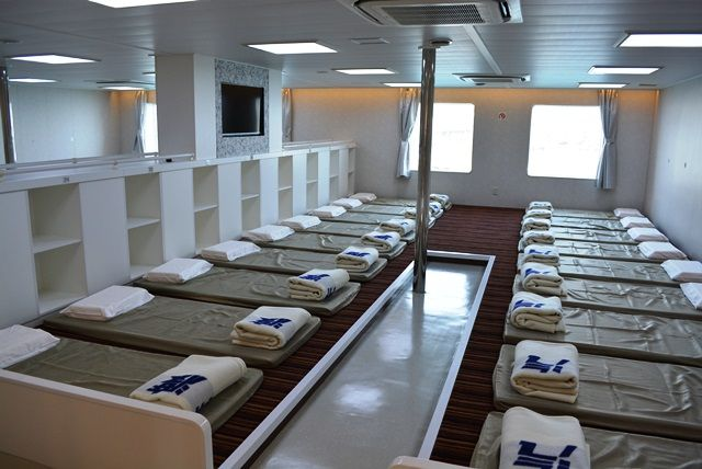 佐渡旅(sadotabi)【佐渡汽船】船そのものが、旅になる 新造船ときわ丸(1等席・2等・特等・授乳室)                  佐渡旅人★なぐも