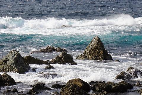 めおと岩の三角岩