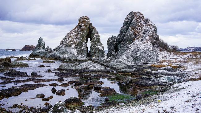 冬のめおと岩-2