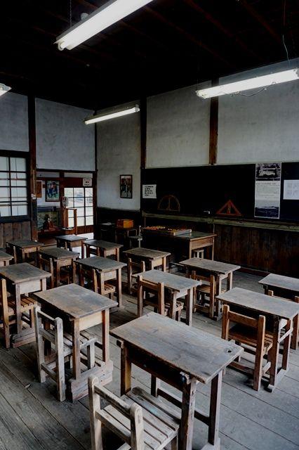 佐渡國小木民俗博物館旧宿根木小学校3年教室1
