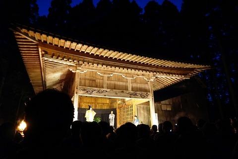 越敷神社共同舞台5