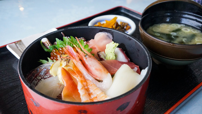 二ツ亀海鮮丼