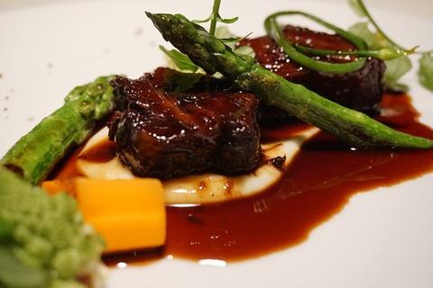 佐渡浦島ラプラージュ牛頬肉の赤ワイン煮