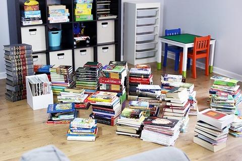 The-KonMari-Method-Pile-of-Books-680x453