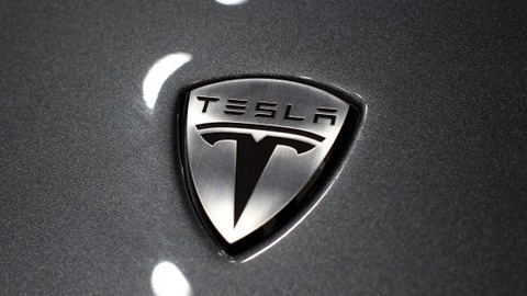 tesla-scales-up-cropped-550x309