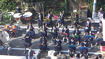 20061029中野八中吹奏楽部 女子生徒がはっきりわかる写真は社会情勢から載せられません