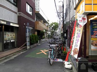 20101003meiwaku_zitensha04