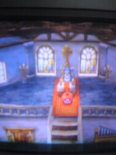 教会にたたずむリンゴ