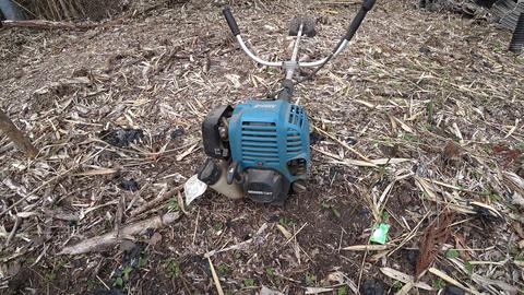 草刈り機メンテナンス