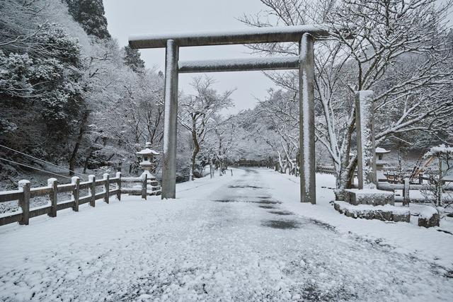 雪の多治神社