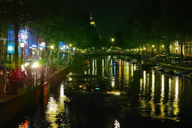 最初の夜ムステルダム