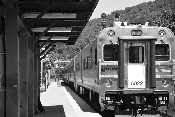 鉄道に乗りましょう。