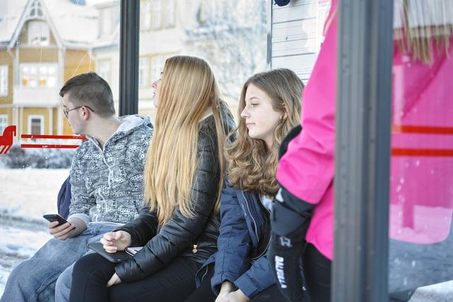 バス待ち学童