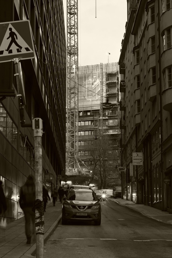 In the Gap of the City