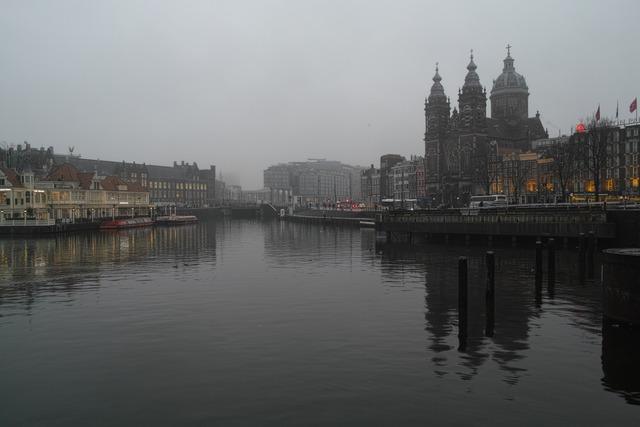 雨ステルダム