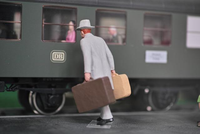 鉄道駅寸描