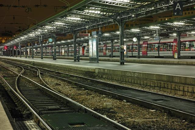夜駅(よるえき)