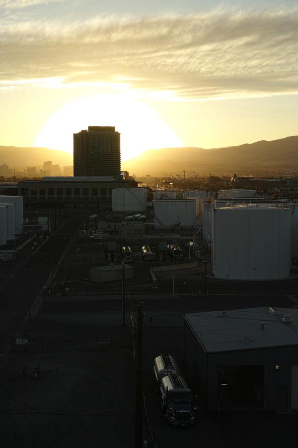 西部の夕陽