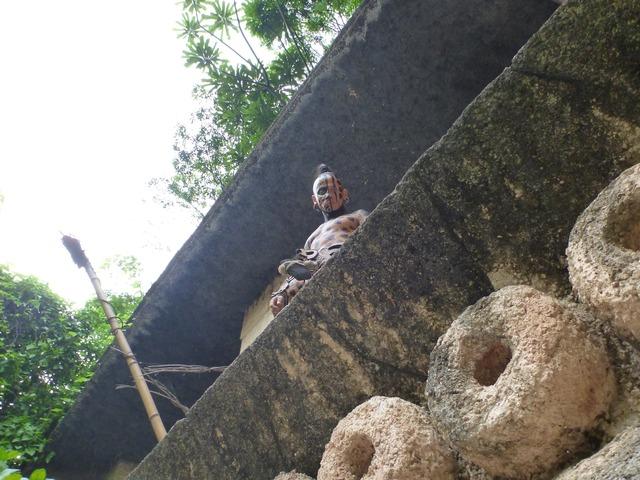 マヤの遺跡で謎の部族に遭遇