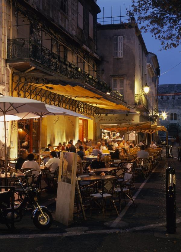 Le Café La nuit (夜のカフェテラス)