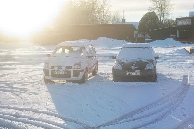 Snow on the Cars