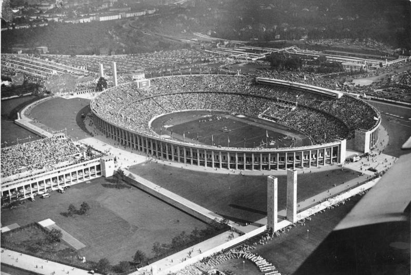 1936年のベルリンオリンピック時のスタジアム