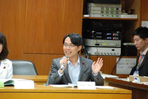 予算委員会(臨時投票所)質疑