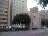 天神郵便局前バス停より天神を臨む2
