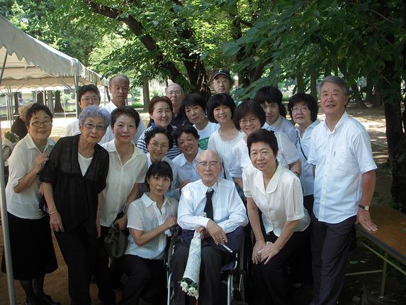 DSCN6601 演奏後、97歳の肥田俊太郎先生と