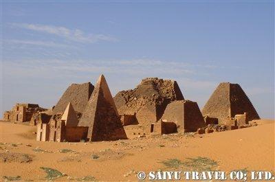 メロエ遺跡のピラミッド群
