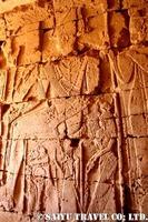 メロエのピラミッド 神殿内部に残るレリーフ108
