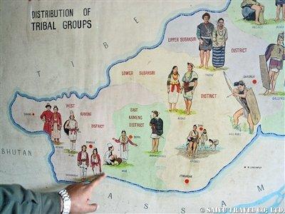 アルナチャールの民族(左)
