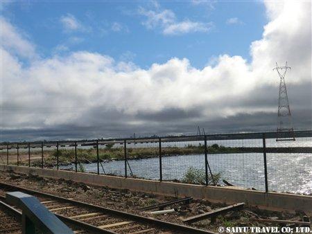 パラナ川の奥にはパラグアイが見える