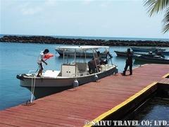 イェマヤの出迎えスピードボート