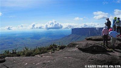 マーベリック(2,810m)の山頂より