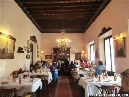 コロニアの昼食レストラン