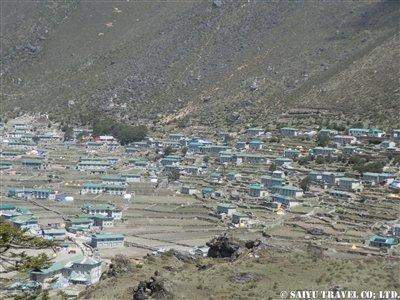クムジュン村震災後