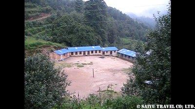パタンジェ村学校修理完了1