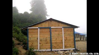 パタンジェ村学校修理完了3