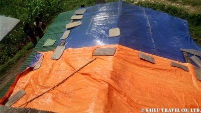 パタンジェ村トタン屋根簡易小屋5
