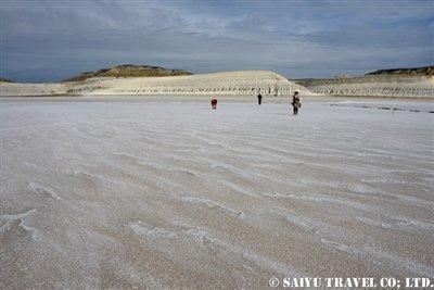 トゥズバイル塩湖 カザフスタン マンギスタウ (5)