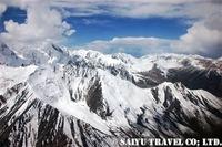 天山山脈の雄大な眺め