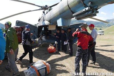 キルギス天山ヘリフライト 西遊旅行 (13)